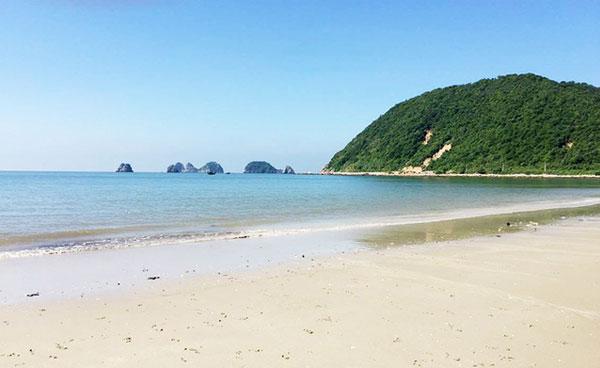 GIỚI THIỆU ĐẢO NGỌC VỪNG, Nói đến du lịch Quảng Ninh người ta nghĩ ngay đến Hạ Long, Bãi Cháy, Vôn Đồn…Tuy nhiên