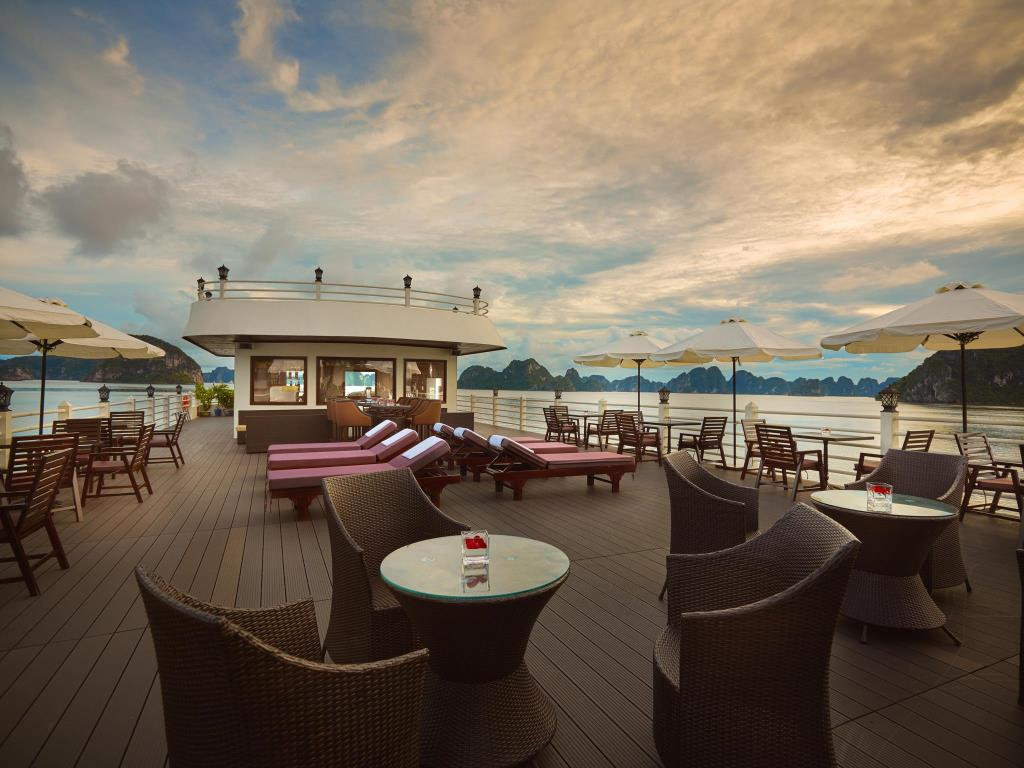 Du Thuyền Athena Luxury Cruises 5 Sao