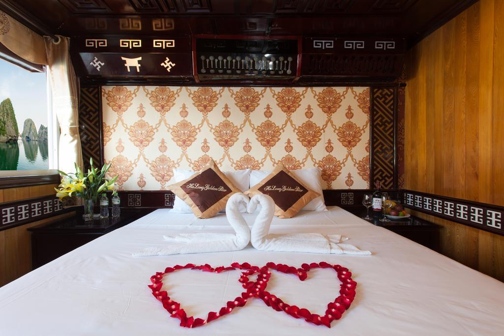 Phòng ngủ trên Du Thuyền Golden Star Cruise 3 Sao