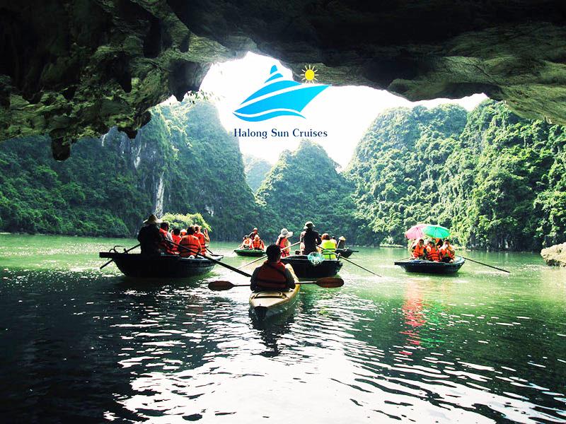 Hang Luồn- Vịnh Hạ Long