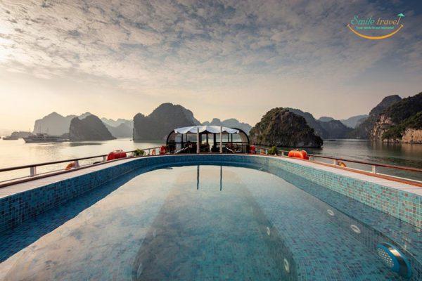 1.poolview-orchid-premium-cruises-halong-bay-smiletravel.jpg