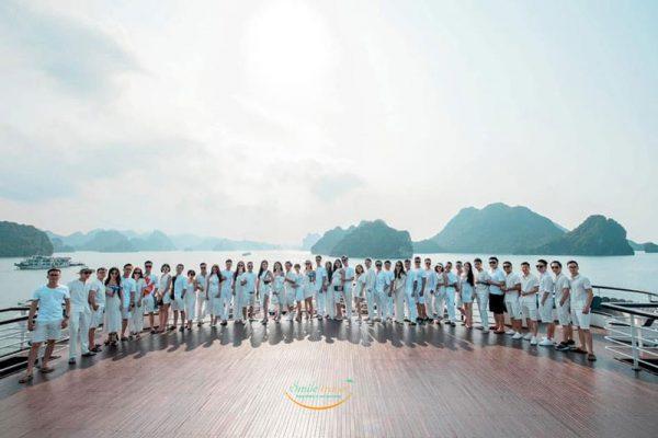 khach-Ambassador-cruises-smiletravel.jpg